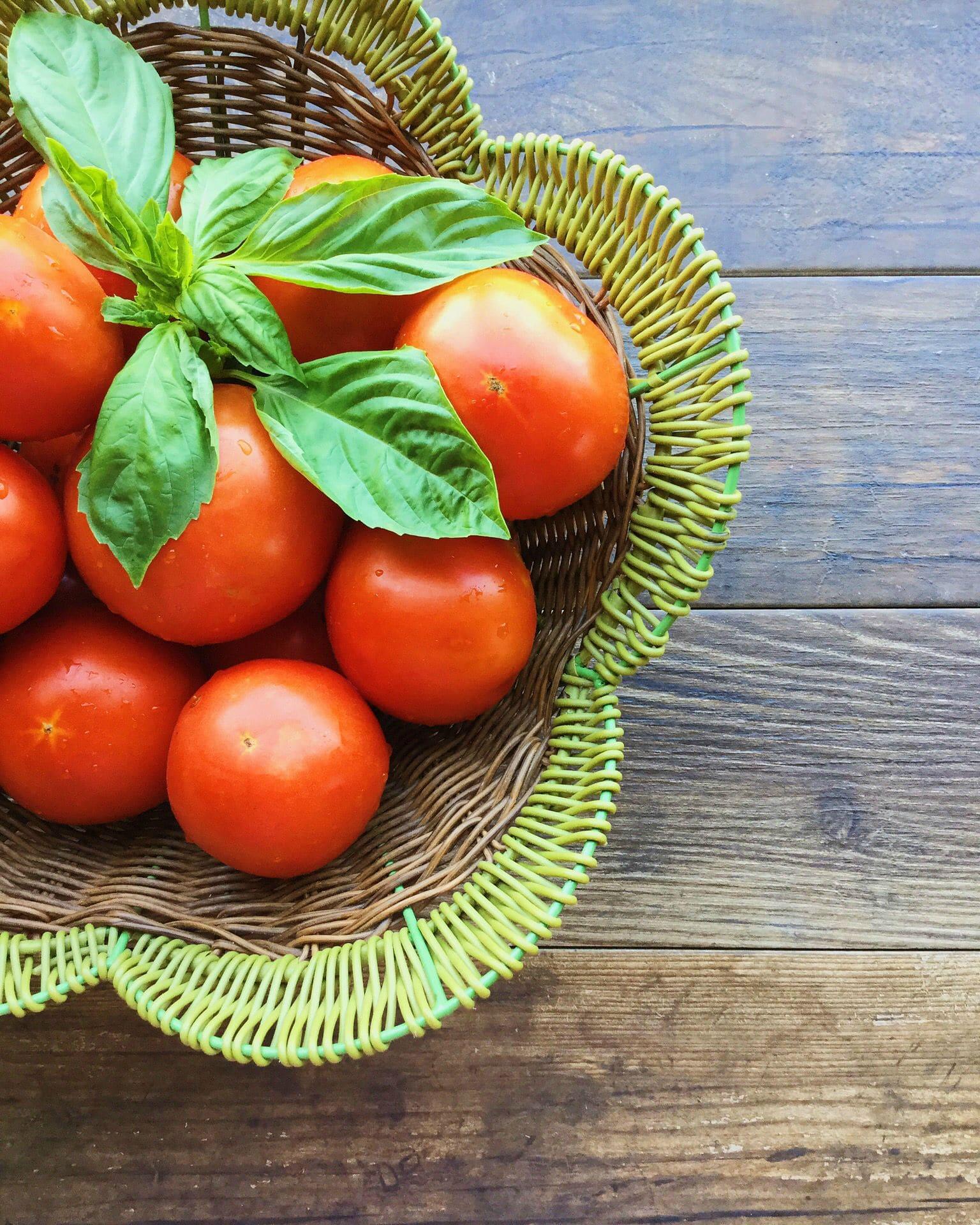 Fresh garden tomatoes to make the perfect roasted veggies tomato sauce